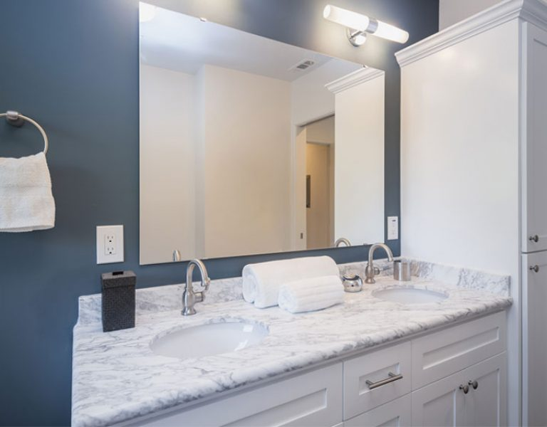 Your Renovation Guide: Small Bathroom Remodel Costs