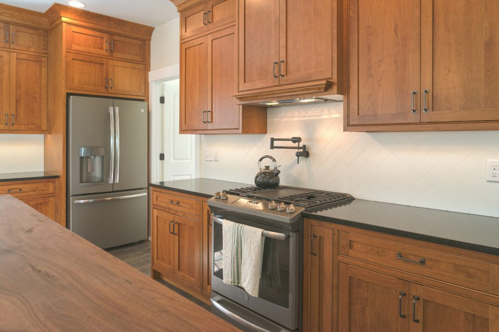 Modern traditional cabinet designed kitchen
