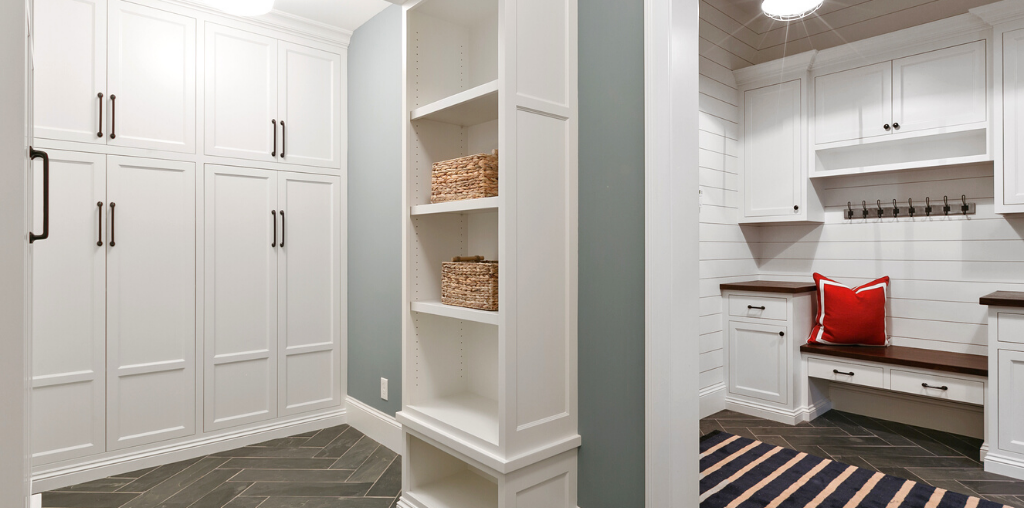 Two-room mudroom style