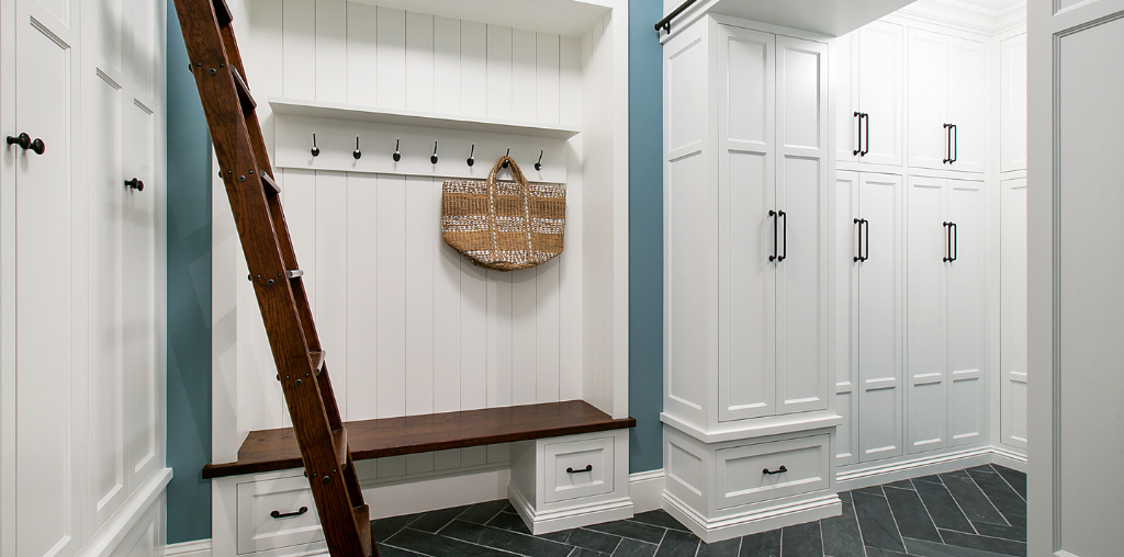 How to organize a mudroom with cabinets